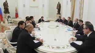 普京與栗戰書3月19日在克里姆林宮會談