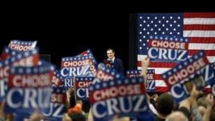 O candidato republicano Ted Cruz durante comício no Hyatt Regency em Green Bay 3 de abril de 2016.
