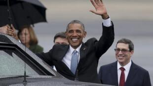 Tổng thống Barack Obama (G) tới La Habana ngày 20/03/2016 bắt đầu chuyến thăm lịch sử Cuba.