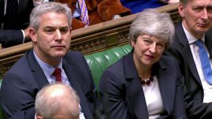 Thủ tướng Anh Theresa May đang phải đối phó với những phản kháng từ trong bên ngoài nội các về hồ sơ thỏa thuận Brexit.