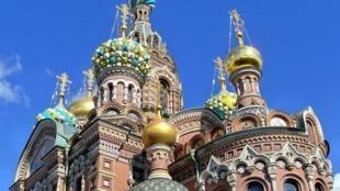 វិហារគ្រិស្តសាសនា Cathedral នៅក្រុង Saint Petersbourg