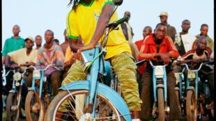 L'album «Françafrique» du chanteur de reggae Tiken Jah Fakoly, sorti en 2002.