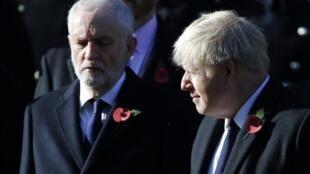 À gauche Jeremy Corbyn du parti travailliste et le Premier ministre Boris Johnson du parti des conservateurs, donné en tête dans les sondages. (Image d'illustration)