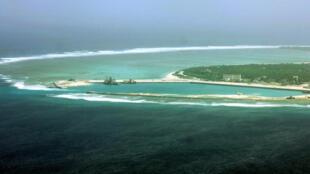 """Không ảnh """"thành phố Tam Sa"""" trên quần đảo Hoàng Sa do Trung Quốc chiếm của Việt Nam, """"sáp nhập"""" vào đảo Hải Nam. Ảnh chụp năm 2012."""