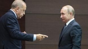 Tổng thống Thổ Nhĩ Kỳ Recep Tayyip Erdogan (T) và nguyên thủ Nga, Vladimir Putin, tại thượng đỉnh ba bên Nga - Thổ - Iran về Syria ở Ankara ngày 16/09/2019.