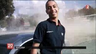 Frame de vídeo divulgado pela televisão francesa que mostra suposta imagem não-datada de Mohamed Merah, o assassino de Toulouse.