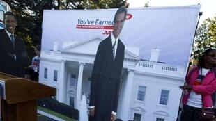 Obama e Romney correm para conquistar eleitorado indeciso, em pleno dia de eleição