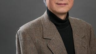Portrait de l'écrivain Akira Mizubayashi.