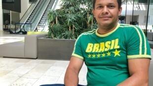 Abel César da Rosa é um dos brasileiros que se beneficiaram, em Portugal, do programa de retorno voluntário ao país de origem.