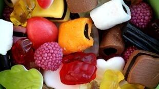 Депутаты не согласились с предложением запретить рекламу слишком жирных, слишком сладких или слишком соленых продуктов, предназначенных для детей младше 16 лет.