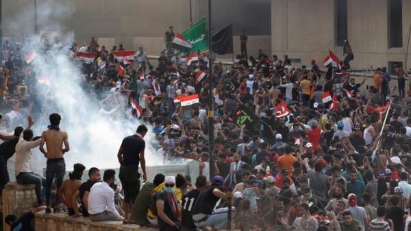 Um terceiro manifestante, que havia ficado ferido na repressão policial contra as manifestações no Iraque, morreu nesta quarta-feira 2 de outubro de 2019.