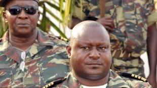 Zamora Induta (esq) e António Indjai, ambos ex Chefes de Estado Maior General das Forças Armadas guineenses