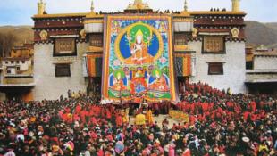 西藏薩嘎達瓦節2015年