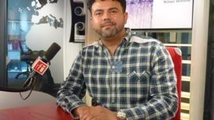 Wilmer Herrison en los estudios de RFI