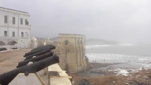 Le fort aux esclaves de Cape Coast, haut lieu de la traite négrière.