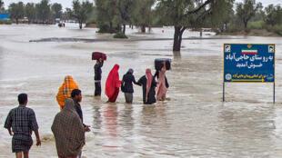 ابعاد وقوع سیل در استان سیستان و بلوچستان بسیار وسیع گزارش شده است.