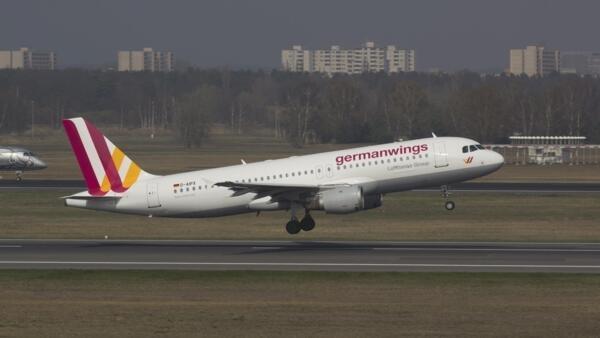 Segundo estatísticas, 6,5% dos passageiros sofrem de medo de viajar de avião.