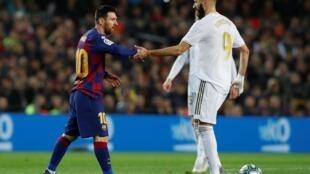 Lionel Messi et Karim Benzema, lors du clasico à Barcelone du 18 décembre 2019.