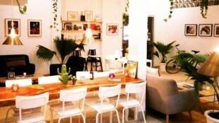 La capitale sénégalaise voit fleurir un nouveau type de cafés.