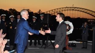 امانوئل ماکرون، رییسجمهوری فرانسه، در دیدار با مالکولم ترنبول، نخستوزیر استرالیا