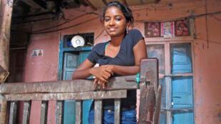 La jeune fille de 18 ans, Shweta Katti à Bombay.