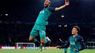 Lucas Moura comemora seu terceiro gol, o da claissifcação inédita do Tottenham para a final da Liga dos Campeões.