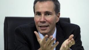 Alberto Nisman, de 51 años, investigaba desde 2004 el atentado contra la AMIA de 1994 en Buenos Aires.