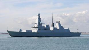 """图为美国""""威廉•P•劳伦斯号""""导弹驱逐舰"""