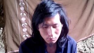 遭巴基斯坦塔利班绑架的一名中国游客获救。图为网传塔利班发布视频的截图。