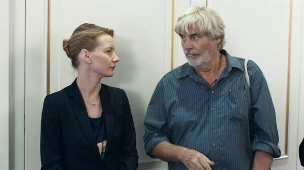 «Toni Erdmann», de Maren Ade avec Inès, la businesswoman, et Winfried alias Toni, son père babacool.