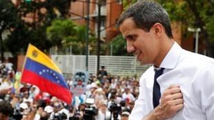 """""""Governo"""" do autoproclamado Juan Guaidó completa 6 meses nesta terça-feira (23)"""