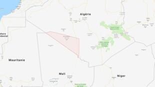Les migrants sont véhiculés jusqu'à Bordj Badji Mokhtar. Ensuite, ils doivent marcher jusqu'à la frontière malienne.
