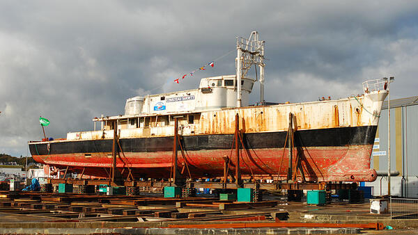 The boat was taken in 2007 to the Piriou Shipyard