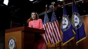 Ảnh minh họa: Chủ tịch Hạ Viện  Nancy Pelosi phát biểu trong cuộc họp báo hàng tuần. Ảnh tại Hạ Viện Mỹ, ngày 2/05/2019.