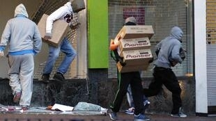 Looters in Birmingham on Tuesday night