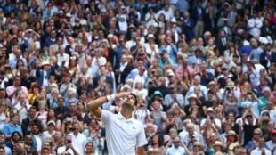 Новак Джокович одержал верх над Роджером Федерером в финале Уимблона, 14 июля 2019 г.