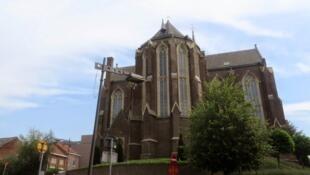 Церковь в Ланакене, рядом с которой, в доме священника, произошло преступление