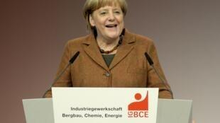 Bà Angela Merkel, lãnh đạo đảng Dân chủ Thiên chúa giáo CDU, lập liên minh với đảng Xã hội Dân Chủ SPD - REUTERS/Fabian Bimmer
