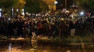 Des centaines de manifestants ont une nouvelle fois laissé éclater leur colère dans les rues de Beyrouth, le dimanche 19 janvier 2020.