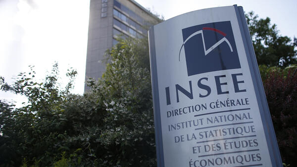 The French national statistics agency (INSEE) revised its growth estimate for 2017 from 1.8 percent to 1.9 percent..