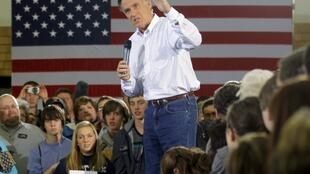 Mitt Romney campaigns in Iowa ... now he's heading for New Hampshire