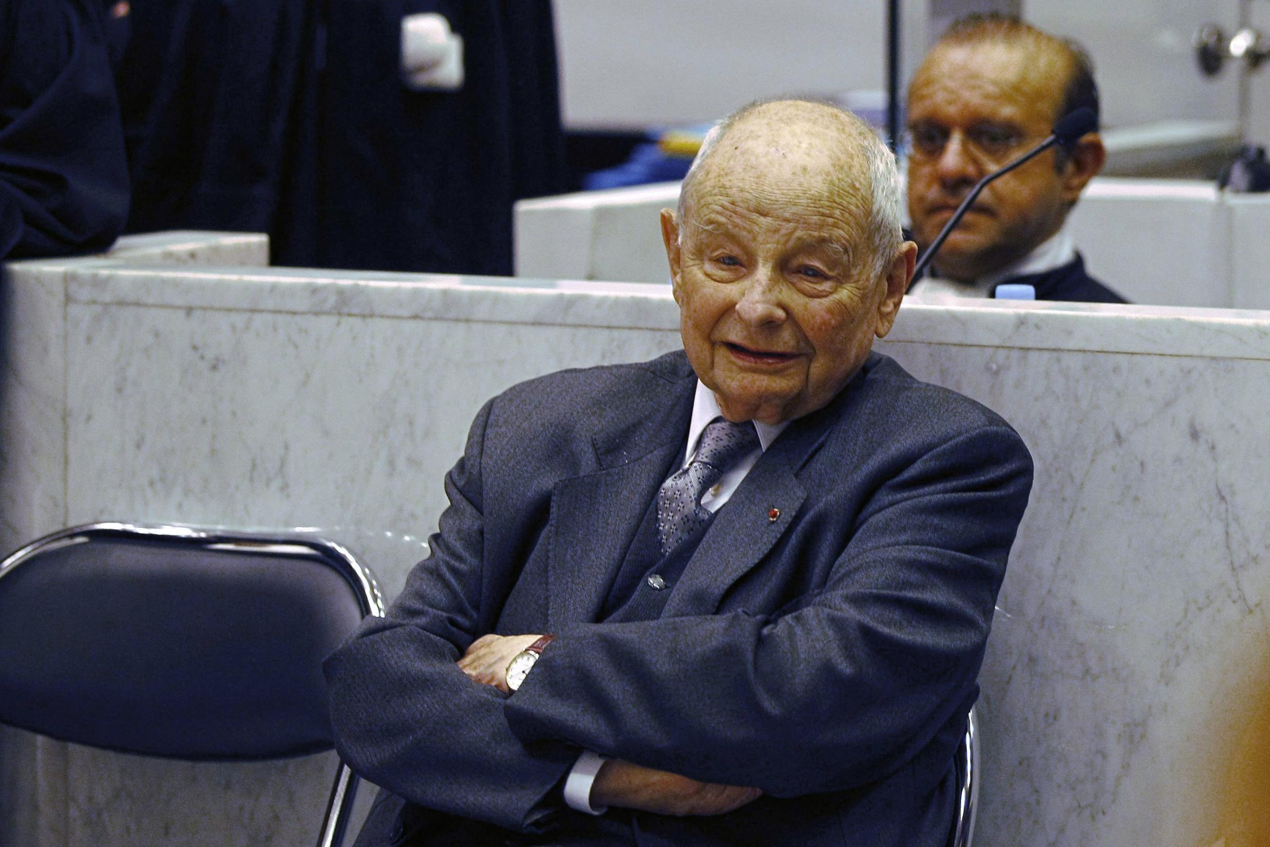 This photo taken on May 21, 2013 shows Jacques Servier, founder of the French pharmaceutical maker Les Laboratoires Servier, in the Nanterre courthouse, outside Paris, on the opening day of the Mediator trial.