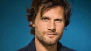 Le metteur en scène et écrivain d'Alexis Michalik.