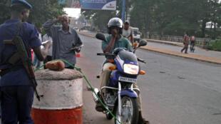 Un moto-taxi à Bujumbura.