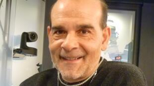 Juan Carmona en los estudios de RFI