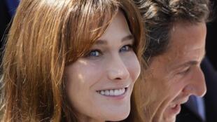 O ex-presidente da França Nicolas Sarkozy e sua esposa, a ex-modelo e cantora Carla Bruni
