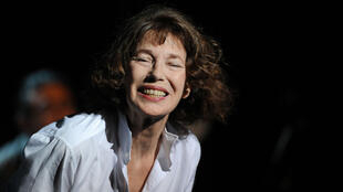 """French-British singer Jane Birkin performs """"Serge Gainsbourg via Japan"""" during the Francofolies music festival in the French western city of La Rochelle on July 15, 2013."""