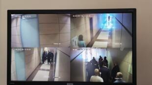«В офис ФБК пришли с обыском», - написал Александр Головач.