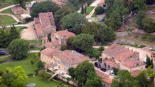 An aerial view taken on May 31, 2008 in Le Val, southeastern France, shows the Chateau Miraval, a vineyard estate owned by Brad Pitt and Angelina Jolie.