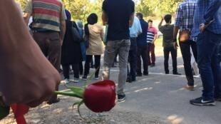 دوم مرداد ماه گورستان امامزاده طاهر کرج